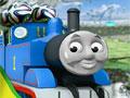 Томас транспортирует футбольные мячи