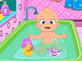 Ванна для очаровательного малыша