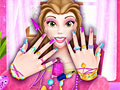 Принцесса Белль в маникюрном салоне